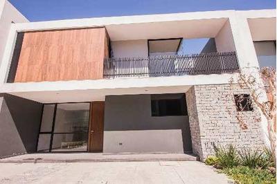 Excelente Proyecto De Casa Ubicado En Parque Virreyes!!!