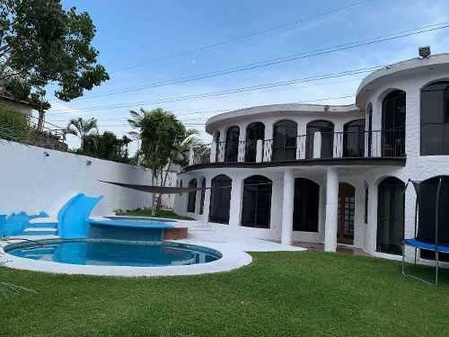 Casa En Venta Cuernavaca Morelos Fraccionamiento Burgos