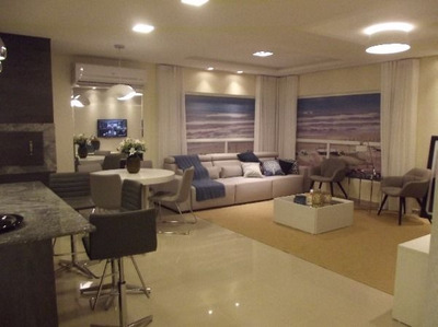 Apartamento Em Centro Com 3 Dormitórios - Nk18082