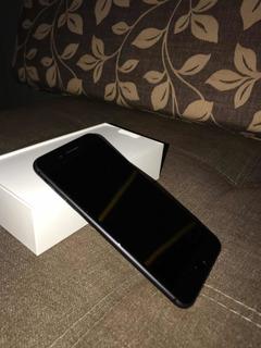 Vende-se iPhone 8 Plus 64 Gb Ainda Na Garantia Apple!