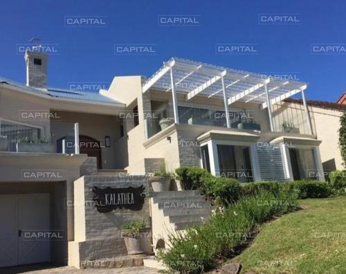 Casa En Venta La Barra Punta Del Este- Ref: 25518