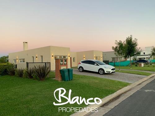 Casa A Estrenar, Sobre Lindisimo Lote, Dentro Del Barrio Haras Santa María - El Molino