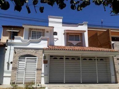 Casa En Venta En Colima Santa Barbara