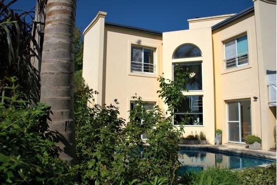 Excelente Casa De Diseño Con Salida A Parque - Dueño Directo