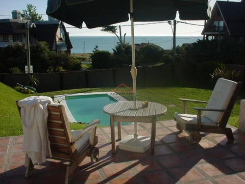 Casa En Pinares, 5 Dormitorios *- Ref: 3545