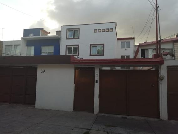 Santa Mónica: Casa Grande Con Excelente Ubicación