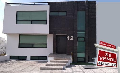 Residencia Única En Milenio Iii, Sótano, Gran Jardín, 3 Recs, 6 Baños, Jacuzzi