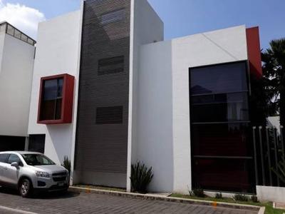 Preciosa Casa En Venta En Lomas Estrella 1a. Sección.