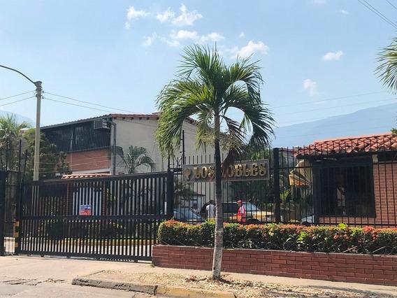 Casa En Castillejo Urb Los Robles