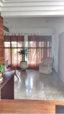 Excelente Oportunidade Casa Térrea Com 3 Dormitórios Sendo 2 Suítes, Closet, Sala Para 3 Ambientes. - 226-im160404