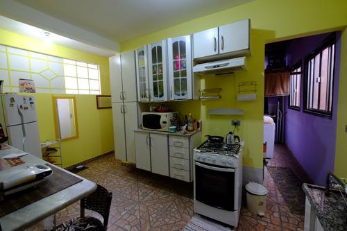 Imagem 1 de 13 de Casa Independente Tipo Ap Com Dois Quartos E Área De Lazer.