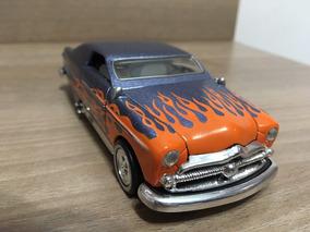 Miniatura Ford 1949 Custom Rod Hard Top 1:38