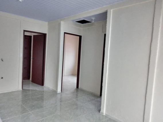 Casa Em Capoeiras, Florianópolis/sc De 50m² 2 Quartos Para Locação R$ 1.000,00/mes - Ca335451