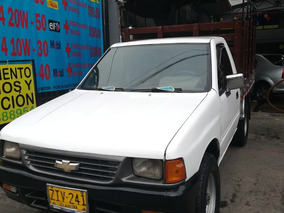 Espectacular Chevrolet Luv 2300 4x4