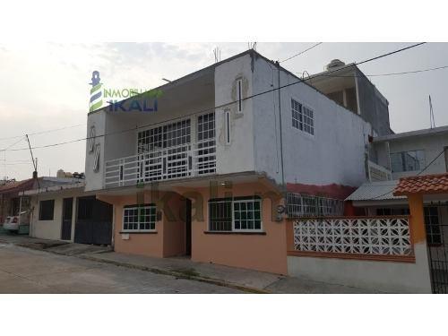 Renta Departamento Fonhapo Tuxpan Veracruz. Colonia Alfonso Arroyo, Departamento Grande En Primera Planta, Cuenta Con Sala - Comedor Amplios, Cocina Con Desayunador,un Medio Baño, Dos Recamaras Ampli