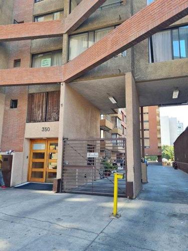 Deprtamento Renovado, Un Dormitorio, Cerca Metro La Chile