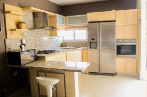 Apartamento En Venta Av. Guajira 20-16035 Sumy Hernandez