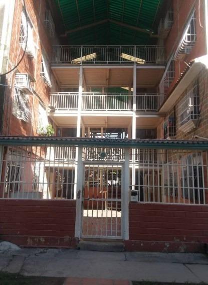 Apartamento En Venta Los Samanes 04126835217