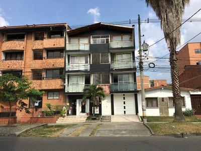Edificio En Venta En Excelente Punto De Medellín