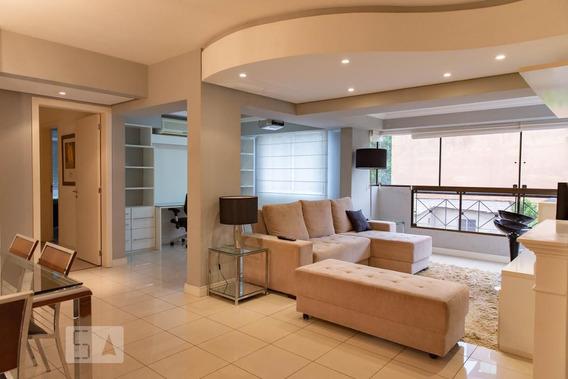 Apartamento No 3º Andar Mobiliado Com 2 Dormitórios E 2 Garagens - Id: 892984721 - 284721