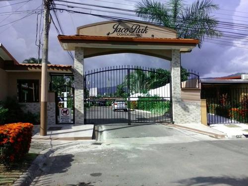 Imagen 1 de 11 de Hermosa Villa Vacacional En El Centro De Jacó