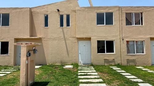 Casas De 2 Niveles 2 Recamaras En Remate Infonavit Fovissste