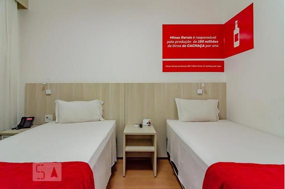 Apartamento No 13º Andar Mobiliado Com 1 Dormitório - Id: 892988799 - 288799