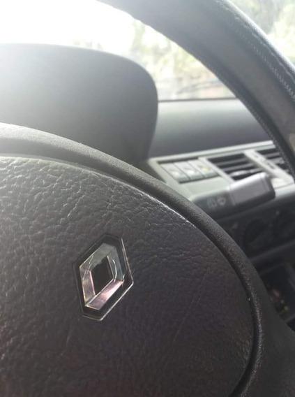 Renault Clio 1998 1.9 Rn