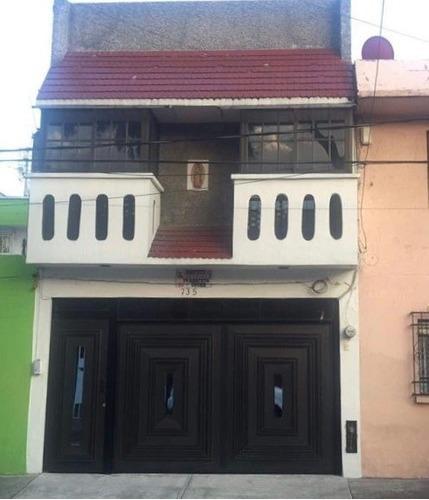 Casa En Venta En Escuadron 201, Iztapalapa.