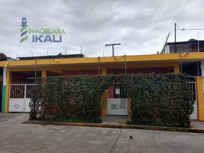 Rento Casa 1 Planta 2 Recamarás Amueblada, Col Adolfo Ruiz Cotines Tuxpan Veracruz. La Casa Cuenta Con Un Estacionamiento Para 3 Automóviles , Cuenta Con Una Sala Amplia Y Cómoda Tiene Su Sala Amuebl