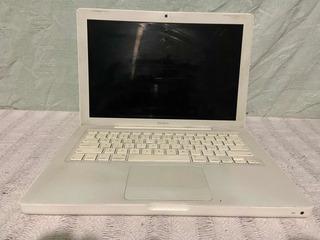 Macbook A1181 De 250 Gb De Disco Duro Y 2 Gb De Ram