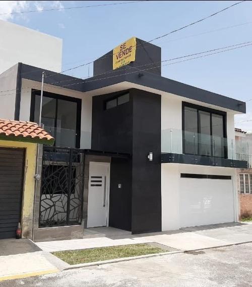Hermosa Casa Residencial En Fracc. Barrios De Arboledas