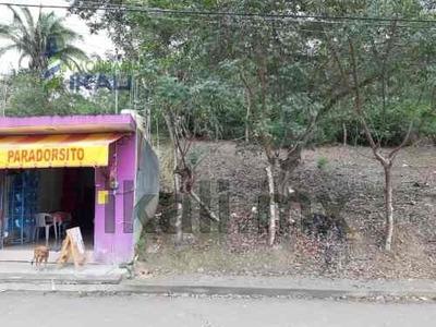 Venta De Terreno 500 M² Col. Guadalupe Victoria Poza Rica Veracruz. Cuenta Con Un Frente De 18.19 M² Y Una Profundidad De 27.47 M². El Terreno Se Encuentra En La Parte Alta Y Tiene Buena Vista Para C