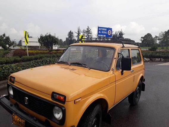 Lada 2121 Clásico Color Mostaza