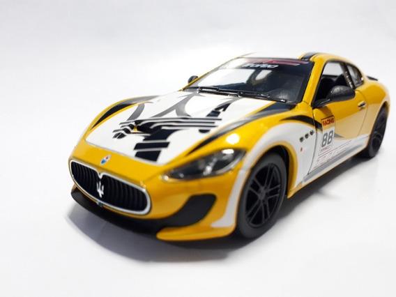 2016 Maserati Gran Turismo Mc Stradale 1:38 Kinsmart