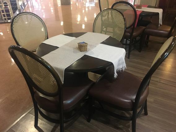 Mesa Thonart Modelo Austríaca Com 04 Cadeiras