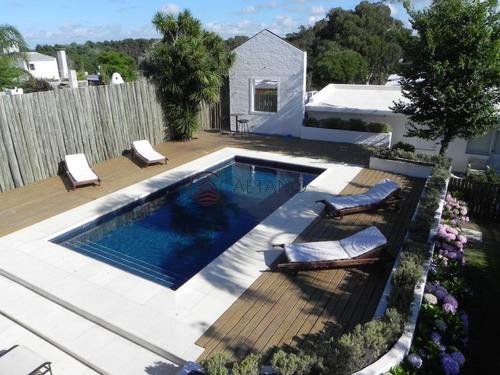 Casa Ideal En La Barra Siete Dormitorios - Punta Del Este - Posta Del Cangrejo- Ref: 2189