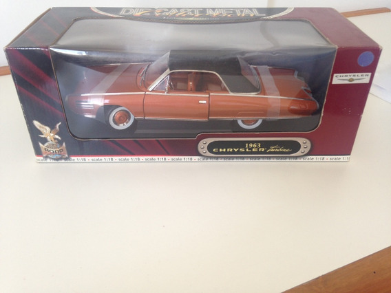 Chrysler Turbine - Road Legends 1/18