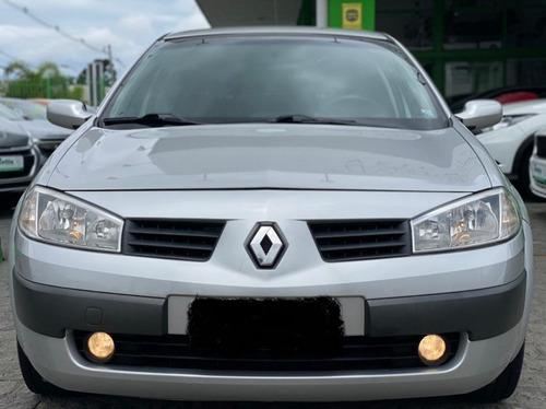 Renault Megane 1.6 Dynamique Hi-flex 4p