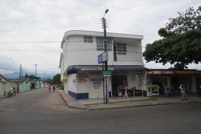 Casa Comercial 2 Entadas Y 7 Baños