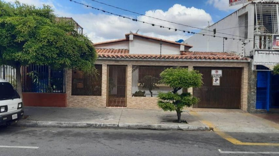 Casa En Venta Centro Barquisimeto Lara 20-3634 Rahco