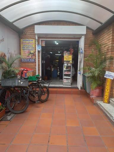 Casas En Venta La Esmeralda 689-2069
