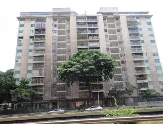 Apartamento En Venta Af Rr Mls # 16-11384 Mov 04241570519