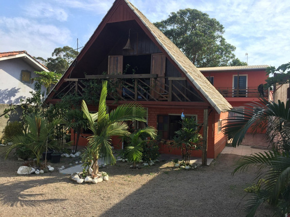 Casa De 3 Dormitórios Próximo A Lagoa Em Imbituba.