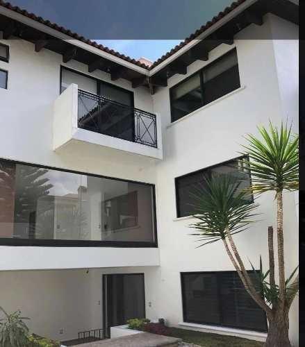 Casa En Renta Calle Lirios, Jurica