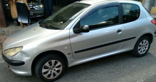 Imagem 1 de 8 de Peugeot 206 2002 1.0 16v Selection 3p
