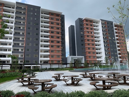 Imagen 1 de 14 de Apartamento En Venta En Zona 14 Plaza Segheria