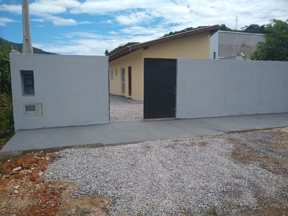 Casa Com 3 Quartos E 2 Banheiros Com Suíte - Urgente