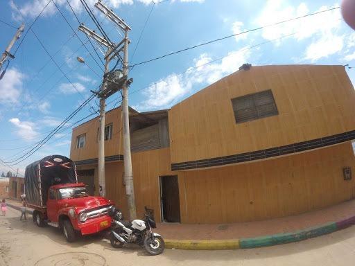Bodegas En Arriendo Bella Vista Lucero Alto 812-160