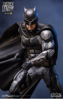 Iron Studios Justice League Batman 1/10 Art Scale